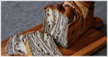 チョコレートの折り込みパン